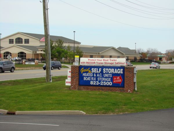 11575 Fox Rd Indianapolis, IN 46236 - Signage