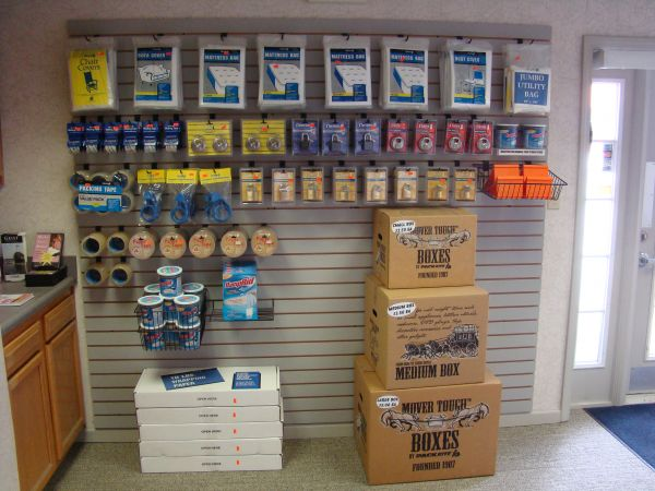 11575 Fox Rd Indianapolis, IN 46236 - Moving/Shipping Supplies
