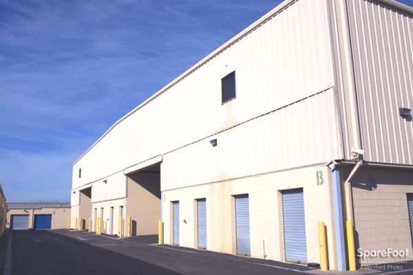 AAA Quality Self Storage - Covina - Photo 4