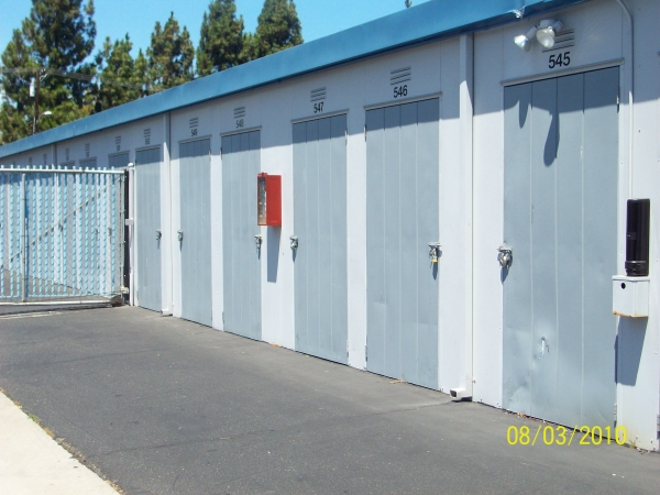 Mini Public Storage - Stanton Self Storage - Photo 2