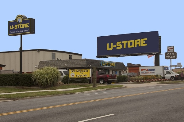 U-Store - 6120 Livingston Road, Oxon Hill MD 20745 - Storefront · Road Frontage