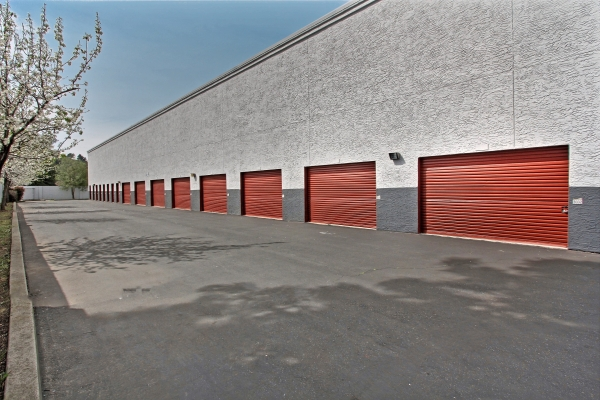 StorageMart - Monterey and Cochran - Photo 4