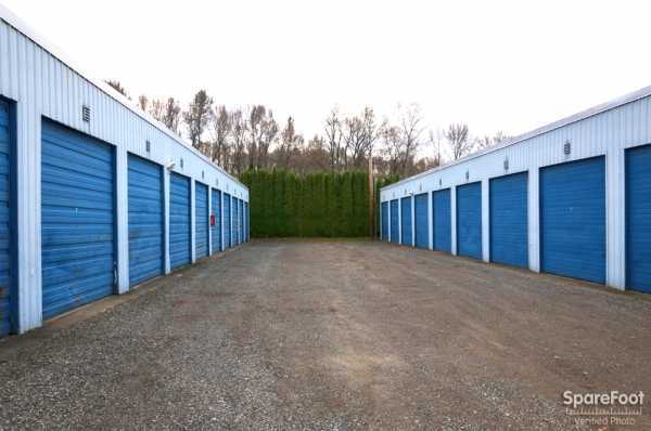 Stor-Eze Self Storage - Photo 10