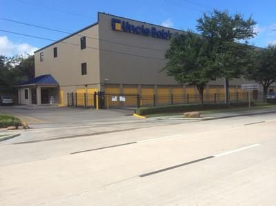 Uncle Bob's Self Storage - Houston - Katy Freeway - 5425 Katy Fwy, Houston TX 77007