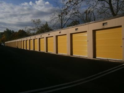 Uncle Bob's Self Storage - Piscataway - Photo 3