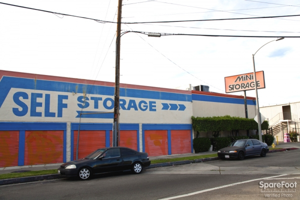 Van Nuys Mini Storage - Photo 7