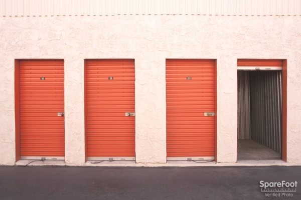 Van Nuys Mini Storage - Photo 15