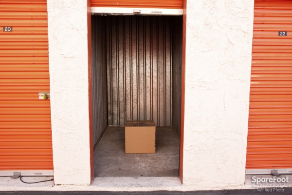Van Nuys Mini Storage - Photo 16