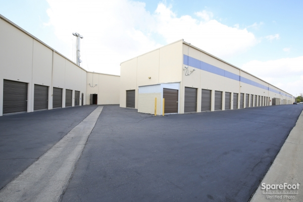 Paramount Self Storage - Photo 6