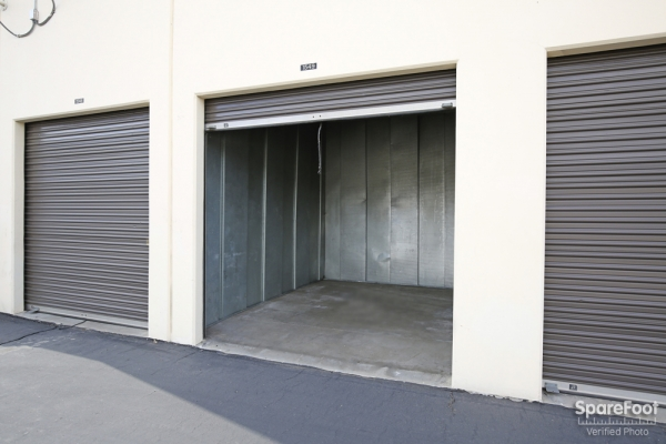 Paramount Self Storage - Photo 7
