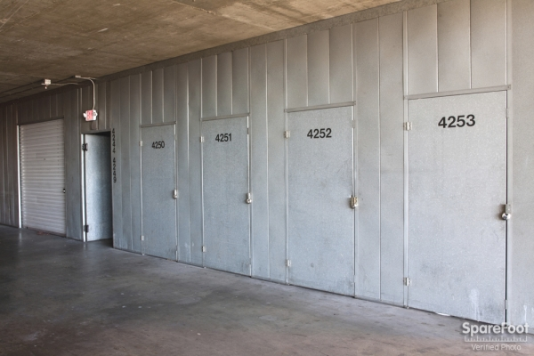 Sherman Oaks Van Nuys Mini Storage - Photo 8