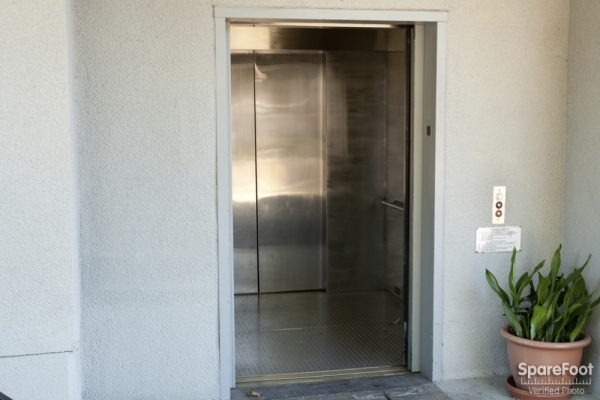 Sherman Oaks Van Nuys Mini Storage - Photo 15