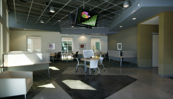 Clovis Storage & Executive Office Suites - Photo 6