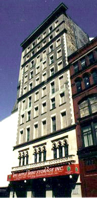 Big Apple Mini Storage - West Manhattan - Photo 1