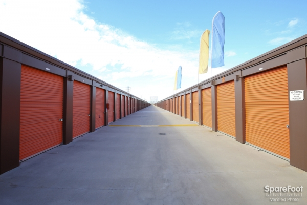 Redondo Torrance Mini Storage - Photo 9