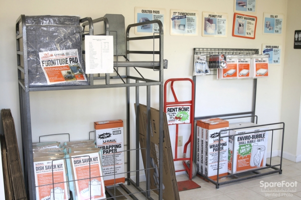Middleton Self Storage - Photo 14