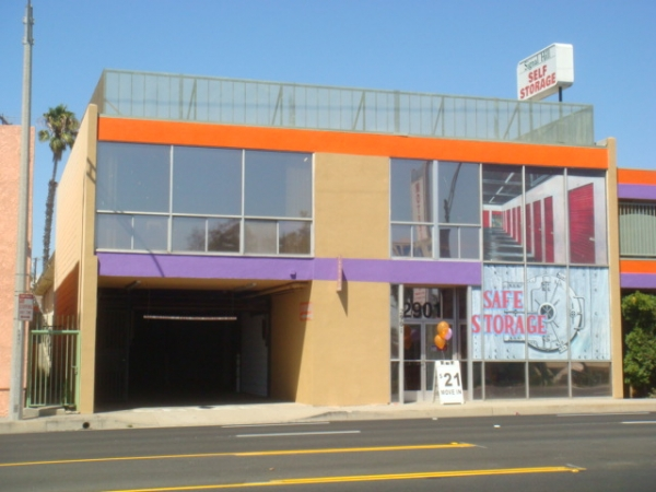 Signal Hill Self Storage,LP - 2901 East Pacific Coast Highway, Signal Hill CA 90755 - Storefront
