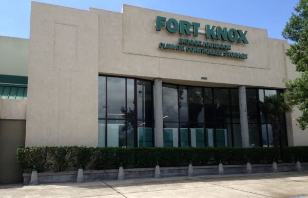 Fort Knox Climate Controlled Self Storage Complex - 5151 Lapalco Blvd, Marrero LA 70072 - Storefront
