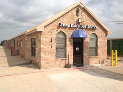 Uncle Bob's Self Storage - Arlington - Blue Danube St - Photo 6