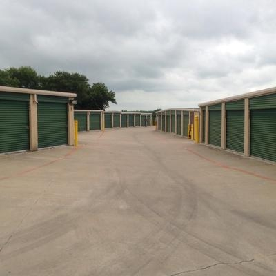 Uncle Bob's Self Storage - Fort Worth - Bryant Irvin Rd - Photo 7