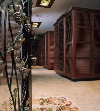 Elmwood Self Storage & Wine Cellar - Photo 3