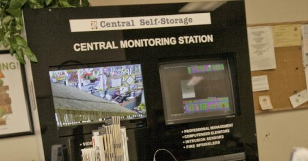 Central Self Storage - Daly City - Photo 4