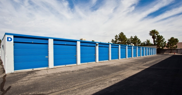 Central Self Storage - Sahara - Photo 4