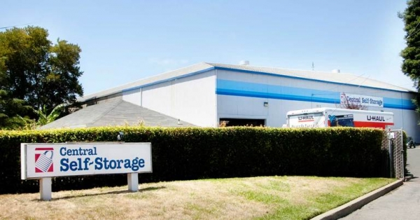 Central Self Storage - Pacific - 1913 Sherman St, Alameda CA 94501 - Signage