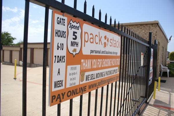 Macho Self Storage - Dallas - Photo 1