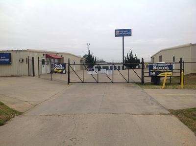 Uncle Bob's Self Storage - Brandon - 1661 W Government Cv - Photo 1