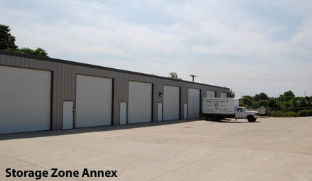 Storage Zone - Peninsula - Photo 1