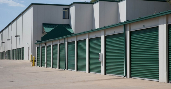 Central Self Storage - Strang Line - Photo 4