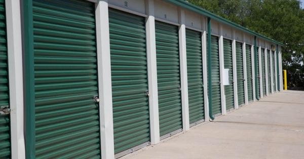 Central Self Storage - Strang Line - Photo 5