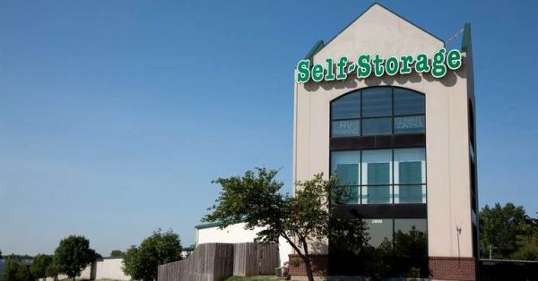 Central Self Storage - Shawnee - Photo 1