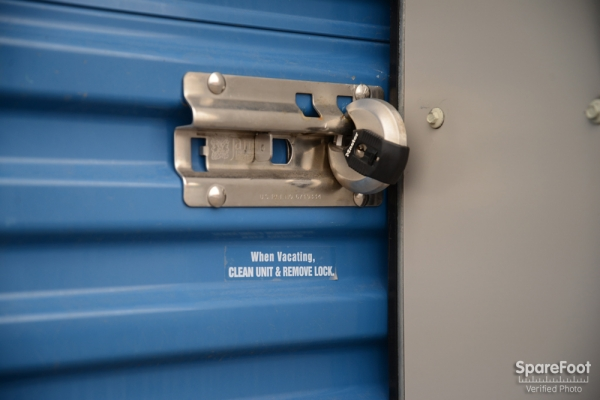 Stapleton Storage - Photo 12
