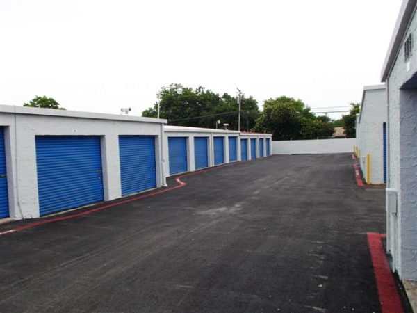 I-30 Self Storage - Photo 3