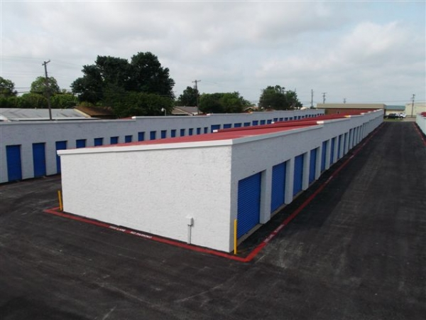 I-30 Self Storage - Photo 6