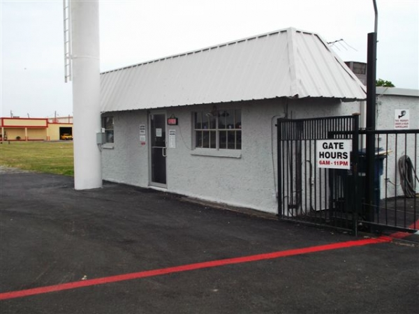 I-30 Self Storage - Photo 22