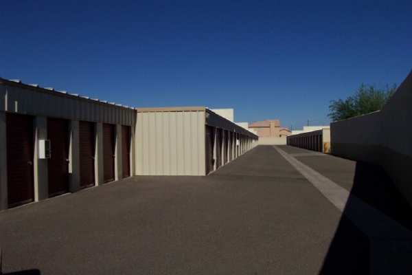 75th Ave Storage - Photo 3