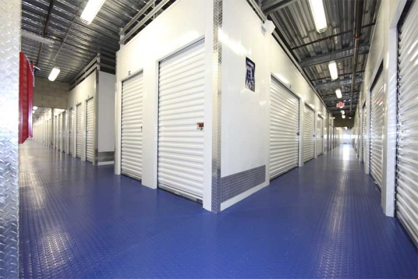 I-5 Self Storage - Photo 7