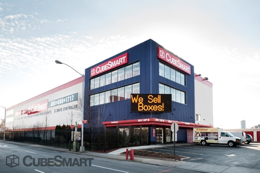 CubeSmart Self Storage - 200 E 135th St, Bronx NY 10451