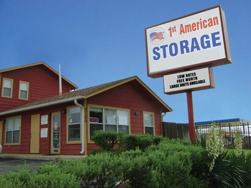 1st American Storage - Attic Space Laredo - Photo 1