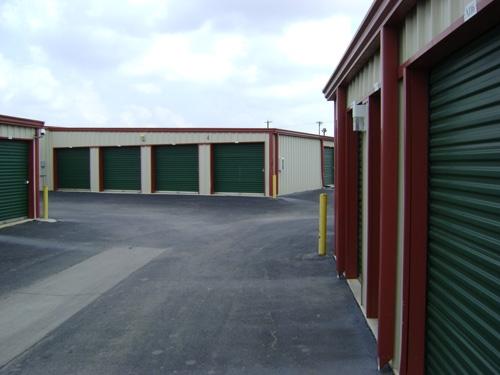 1st American Storage - Attic Space Laredo - Photo 3