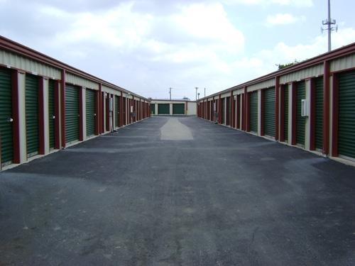 1st American Storage - Attic Space Laredo - Photo 4