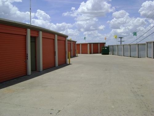 1st American Storage - U Storit Northwest - Photo 2