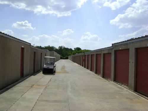 1st American Storage - Attic Space Blanco - Photo 2