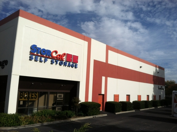 StorCal Self Storage - Thousand Oaks - 2501 W Hillcrest Dr, Thousand Oaks CA 91320 - Storefront