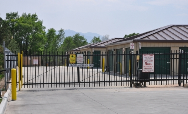 SecurCare Self Storage - Co Springs - King St. - Photo 3