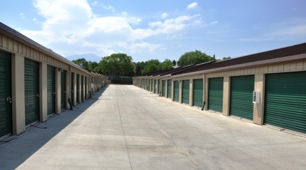 SecurCare Self Storage - Co Springs - King St. - Photo 4