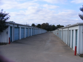 Lockaway Storage - Ben White - Photo 2